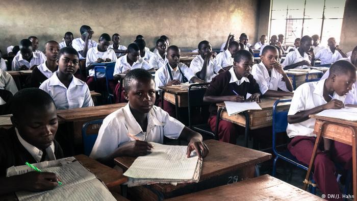 Des élèves en classe - Crédit photo: dw.de