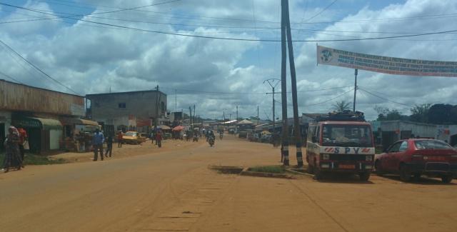 La ville de Ntui. On venait à pein d'arriver dans la ville