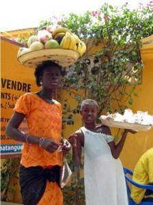 Jeunes vendeuses - Crédit photo: btaillefer.blogspot.com