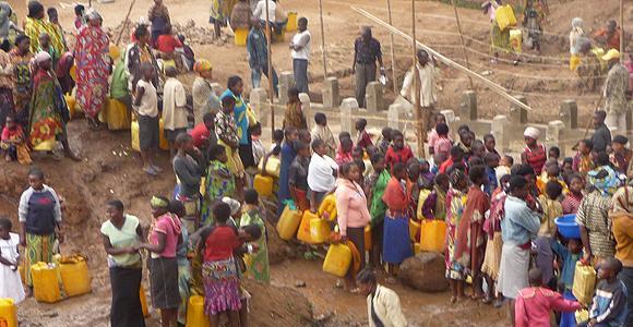 L'eau potable est rare dans un pays arrosé par plusieurs cours d'eau. mais on a la paix... - Crédit photo: lebanco.net