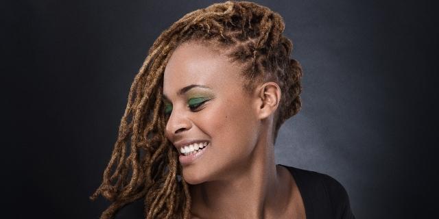 """Certaines mèches permettent de faire des coiffures """"africaines"""" - Crédit photo: naty-ay.fr"""