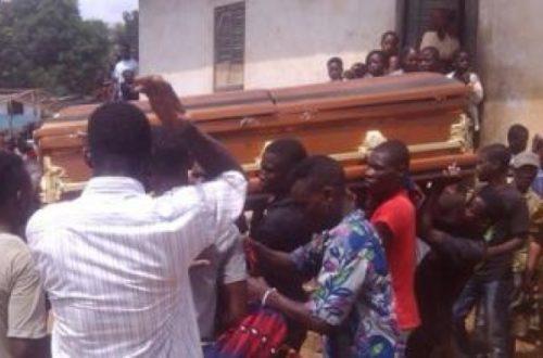 Article : L'hommage aux morts, vu par des Camerounais…